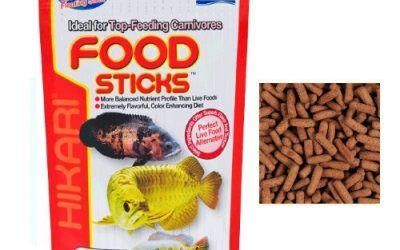 Hikari Food Sticks–Alimento Completo flotador para todas Le specie de Arowana y otros peces carnivori de superficie extrabright con comida vivo